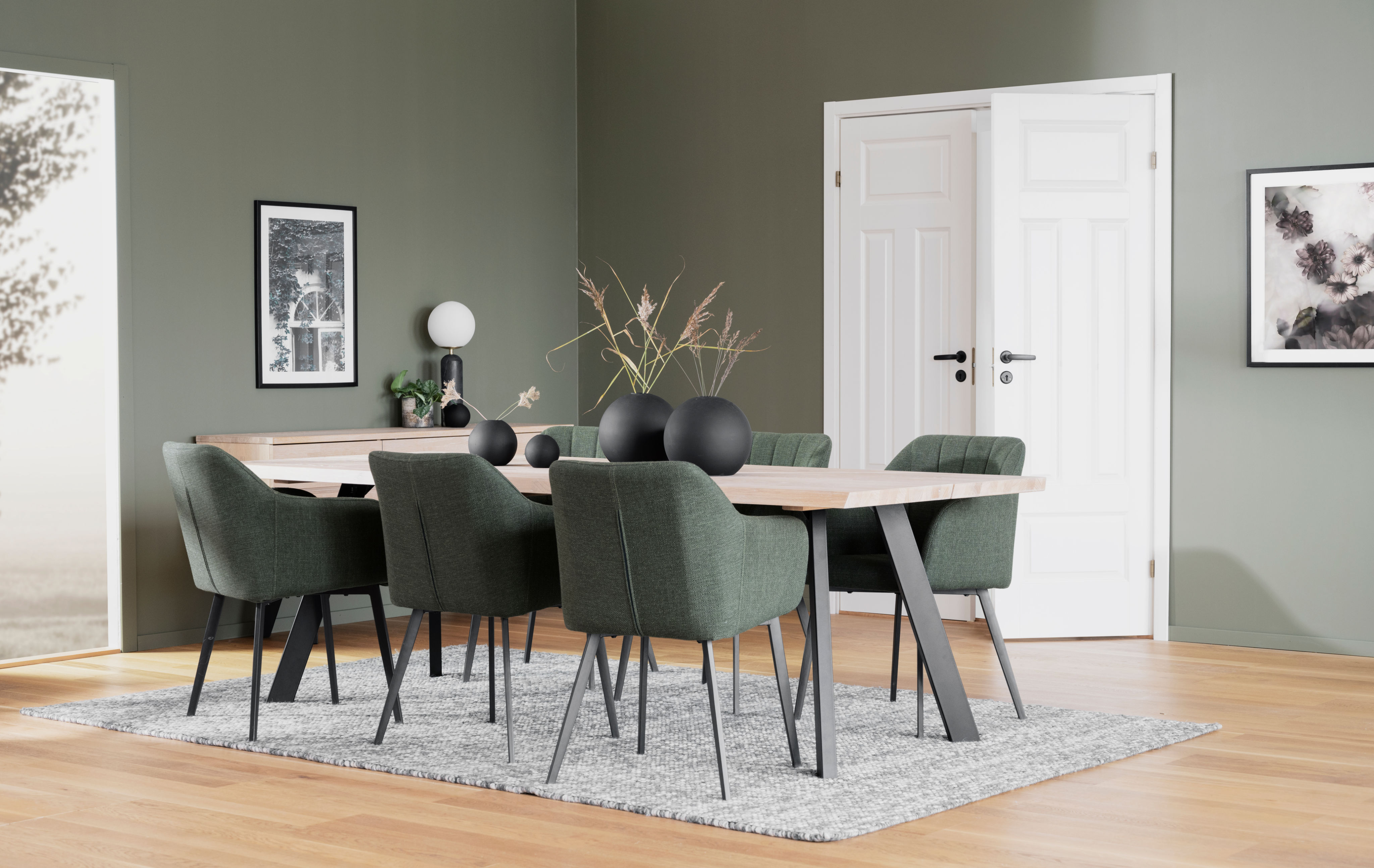 Fred_dining_table_Whitewash_black_117420_18_lowreas