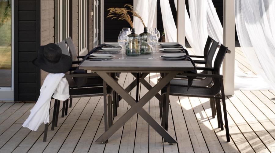 Belfort tuolit ja hillmond jatkopöytä